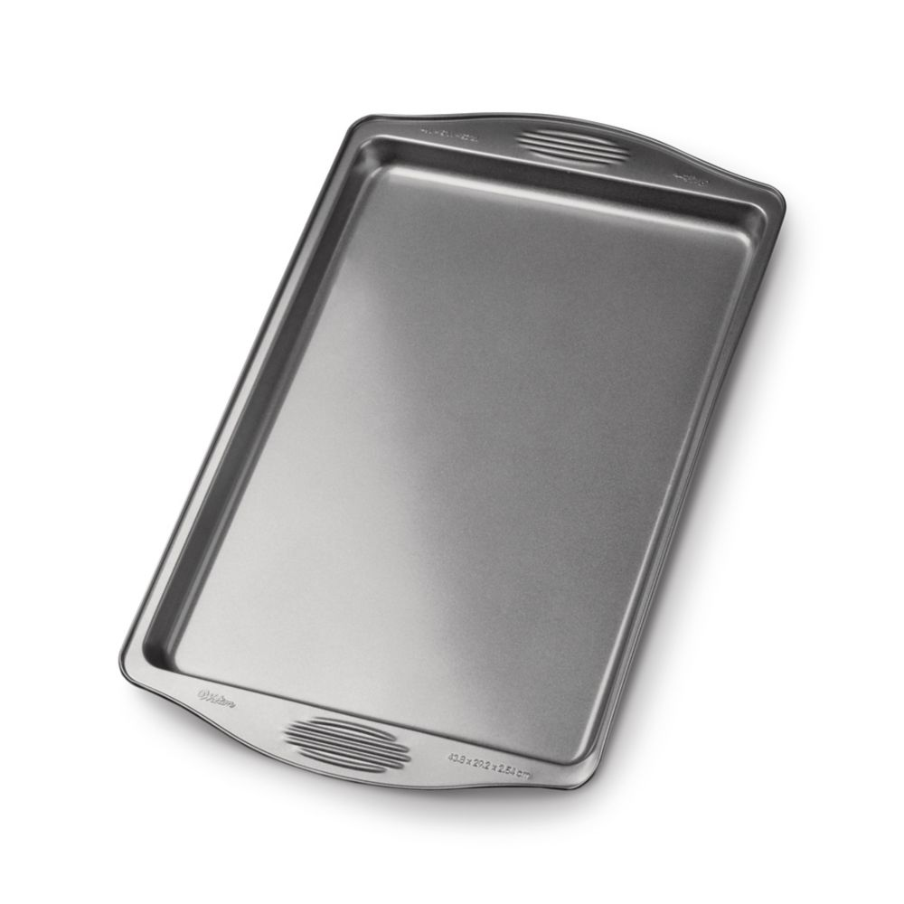 Wilton Gourmet Choice Large Cookie Sheet, 17.25 x 11.5-in