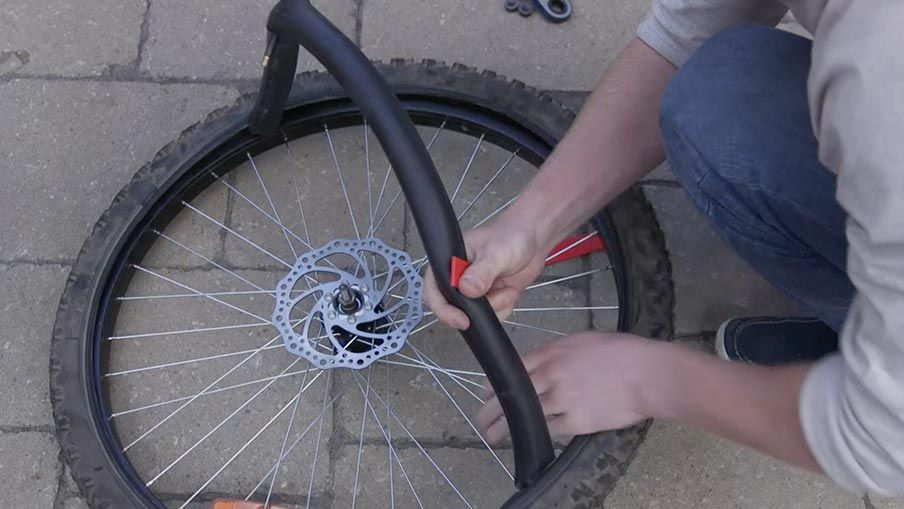 How to repair a bike tire