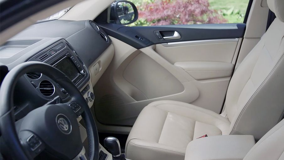 op bellingham cleaning car bham interior in shampoo detail
