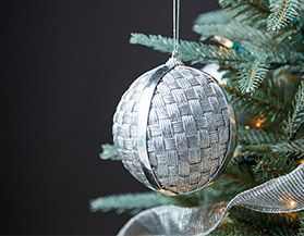 Christmas Ornaments & Tree Decor
