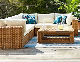 PATIO FURNITURE & DÉCOR