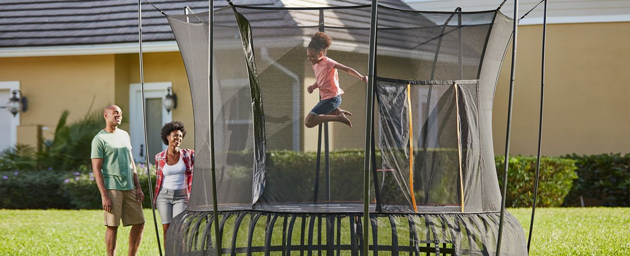 How to choose a trampoline | Canadian Tire. Play video