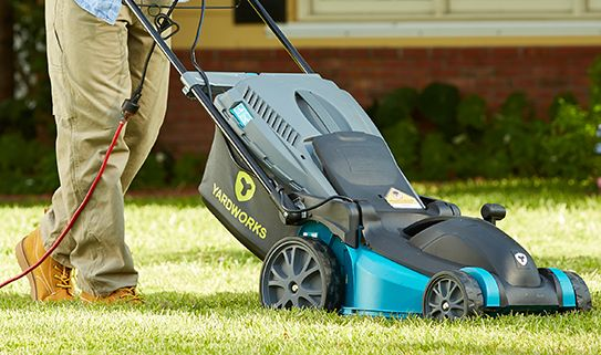 Discover our lightweight electric lawn mowers