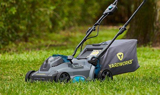 Discover our convenient cordless lawn mowers