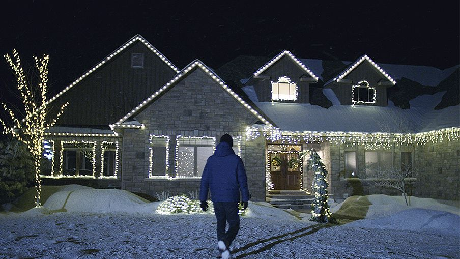 How To Hang Outdoor Christmas Lights Canadian Tire