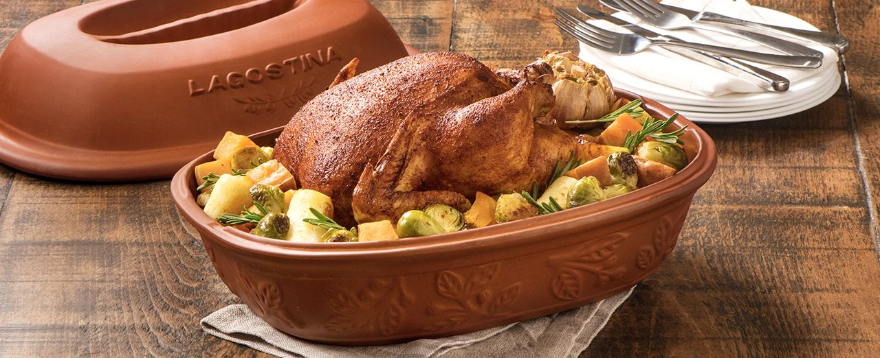 How to make roast chicken in a clay roaster. Play video