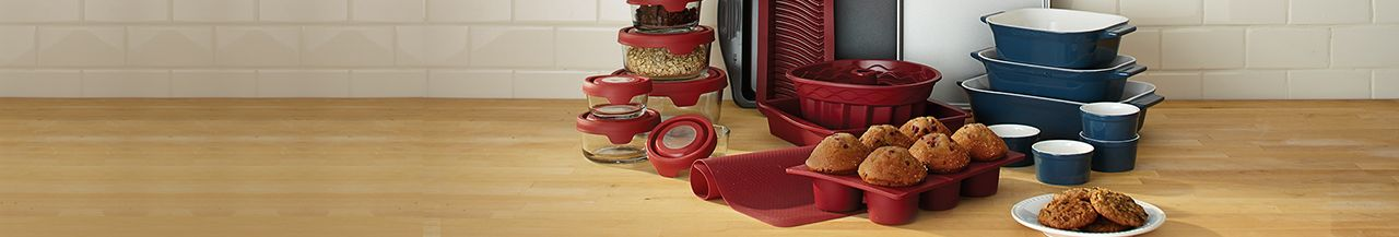 WHAT KIND OF BAKEWARE DO YOU NEED?