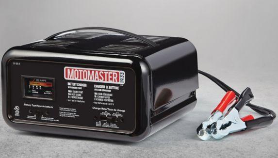 Chargeur automatique / manuel MotoMaster, 15 / 2 A, démarrage 100 A