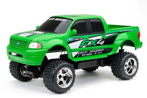 RC Low Rider 1:10 Scale Race Truck Product image