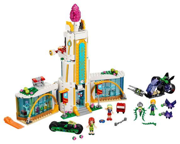 LEGO DC Super Hero Girls L'école des super héros, 712 pièces