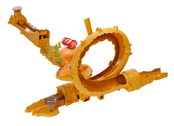 Cars 3 Willy's Butte Transforming Track Set Product image