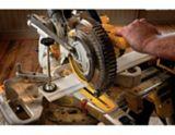 DEWALT DCS361M1 20V MAX 7-1/4-in Sliding Miter Saw, 4.0Ah | DEWALT | Canadian Tire