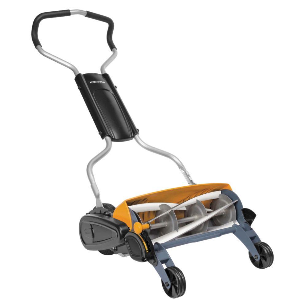 Fiskars StaySharp Max Reel Lawn Mower, 18-in