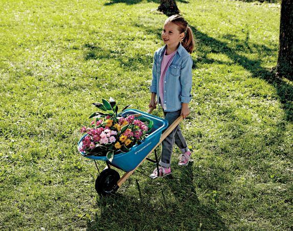 Yardworks Kids' Wheelbarrow Product image