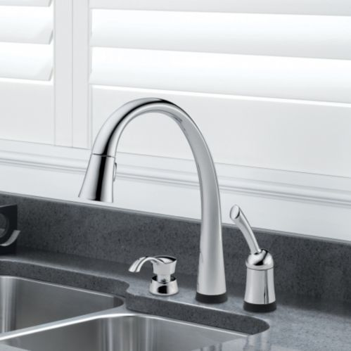 Delta Pilar Touch Pull-Down Faucet Product image