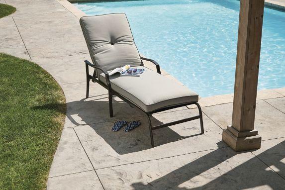 Chaise longue rembourrée For Living Bluebay Image de l'article