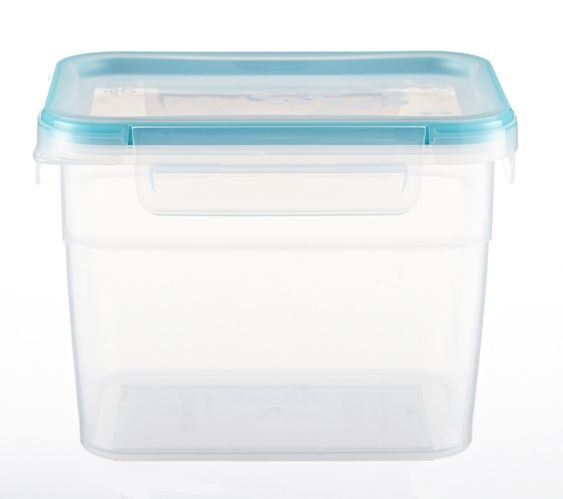 Snapware Tall Rectangular Plastic Food Storage Container, 7.6-cup
