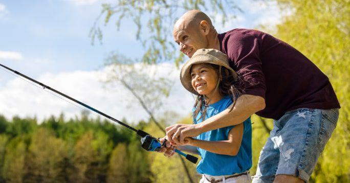 Pêche  Trouvez des cannes à pêche, des leurres, des appâts et tout ce qu'il vous faut pour les voyages de pêche.  MAGASINEZ