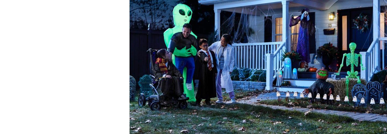 COSTUMES ET DÉCOR D'HALLOWEEN Visitez la ville de l'Halloween et trouvez des costumes amusants et toutes les décorations qu'il vous faut pour créer une maison hantée.