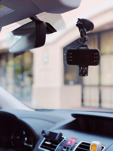 Caméra de tableau de bord double HD complète 1080p OwlScout de myGEKOgear Image de l'article