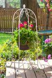Support pour jardinière suspendue Panacea, blanc, 40 po | Panaceanull