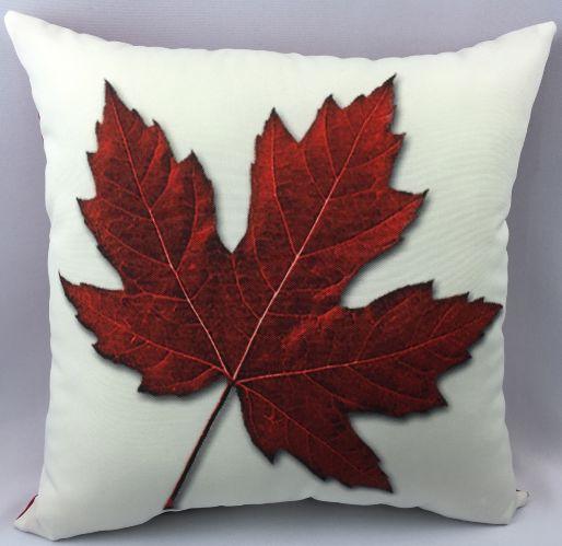 Coussin décoratif Canada, 18 po, choix varié Image de l'article