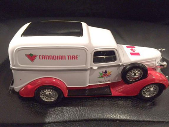 Canada Day CTC Collectible Truck Product image