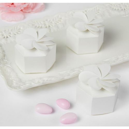 White Petal Favour Boxes, 12-pk