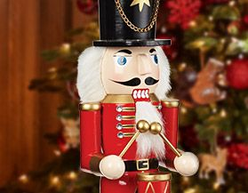 Nutcrackers & Figurines