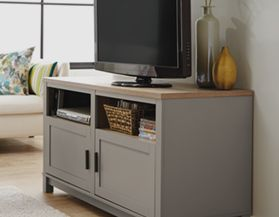 TV STANDS & ENTERTAINMENT UNITS