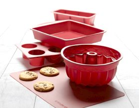 Shop all Master Chef bakeware.