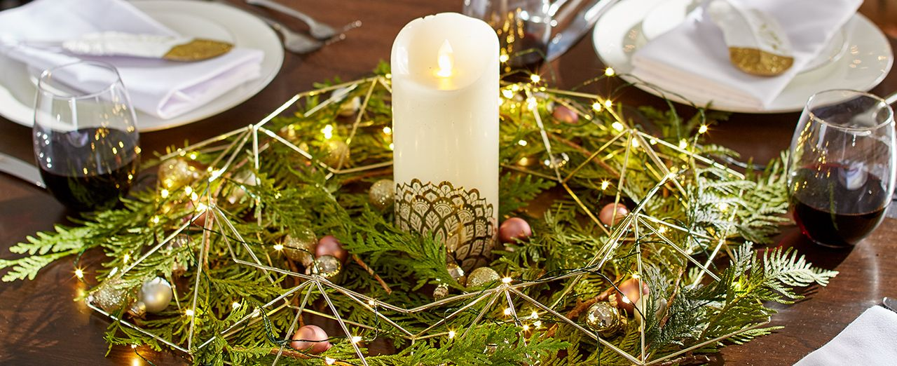How to create a golden candle & wreath centerpiece