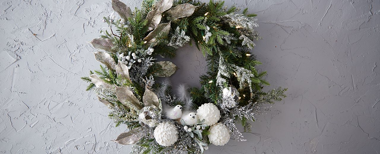 How to make a winter garden snowy wreath